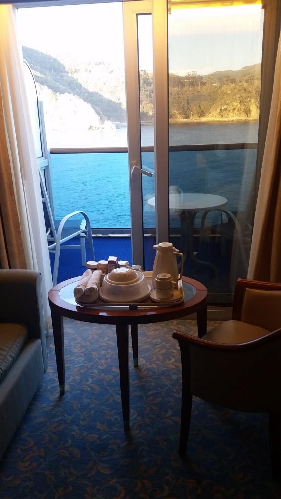 Breakfast on balcony II
